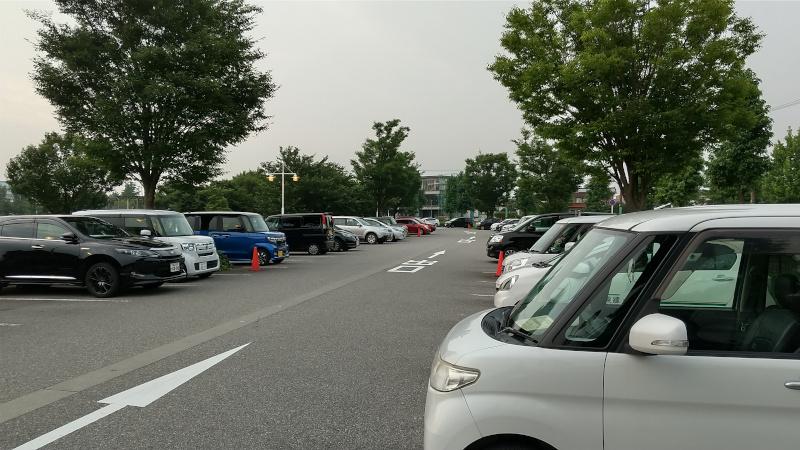 富山県富岩運河環水公園 無料駐車場